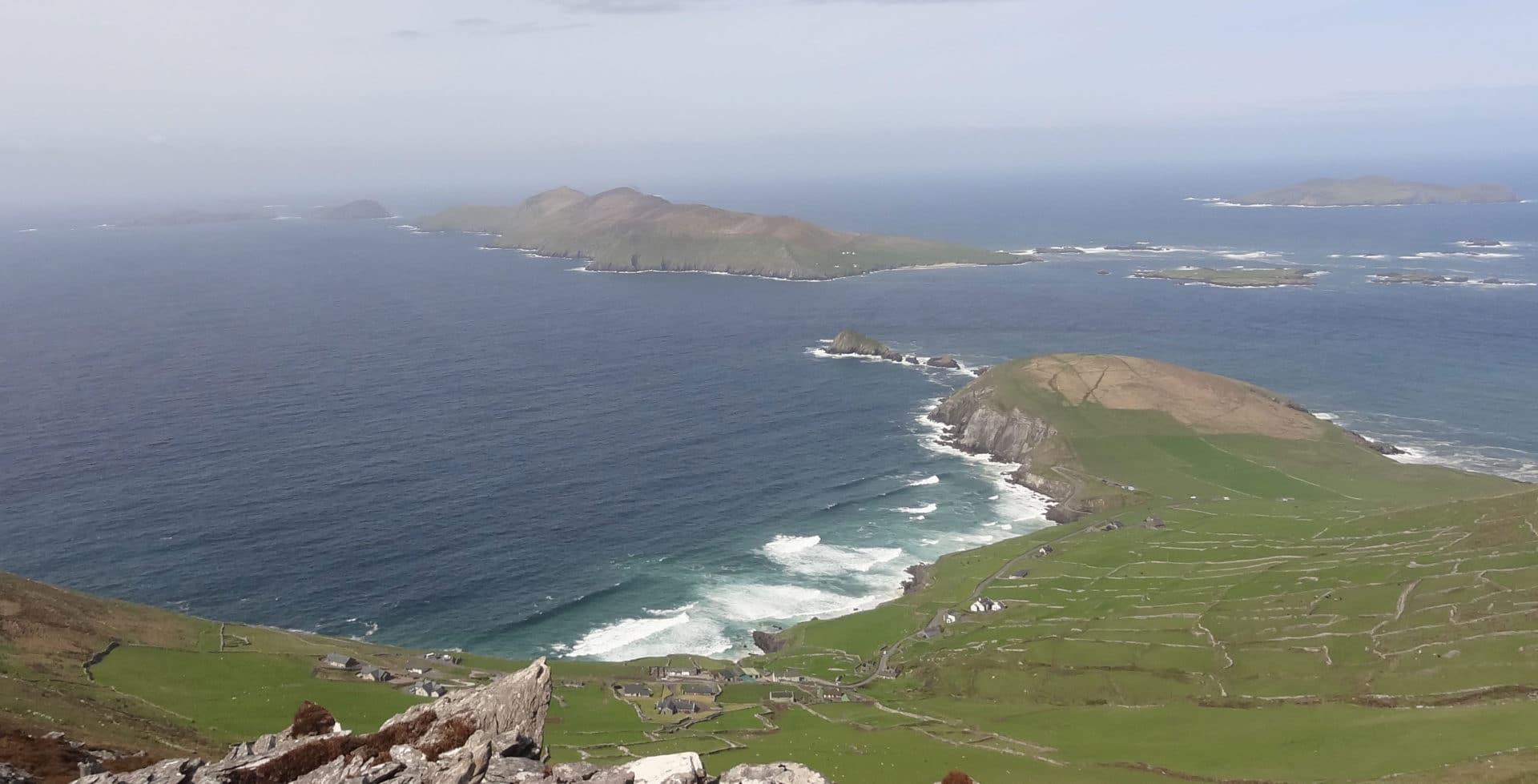 Vue sur les îles Blasket depuis Mount Eagle