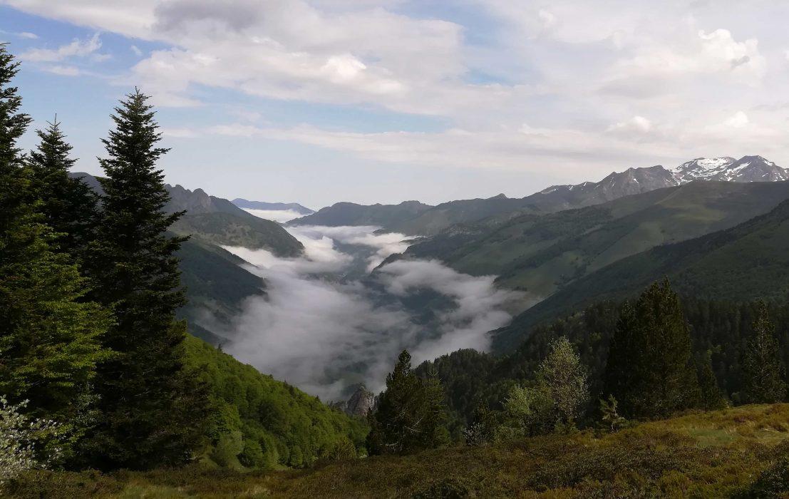 Mer de nuages sur la vallée d'Aspe