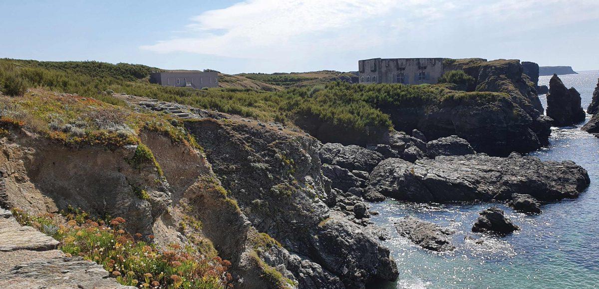 L'ancien fort (à droite) que Sarah Bernhardt transforma en maison
