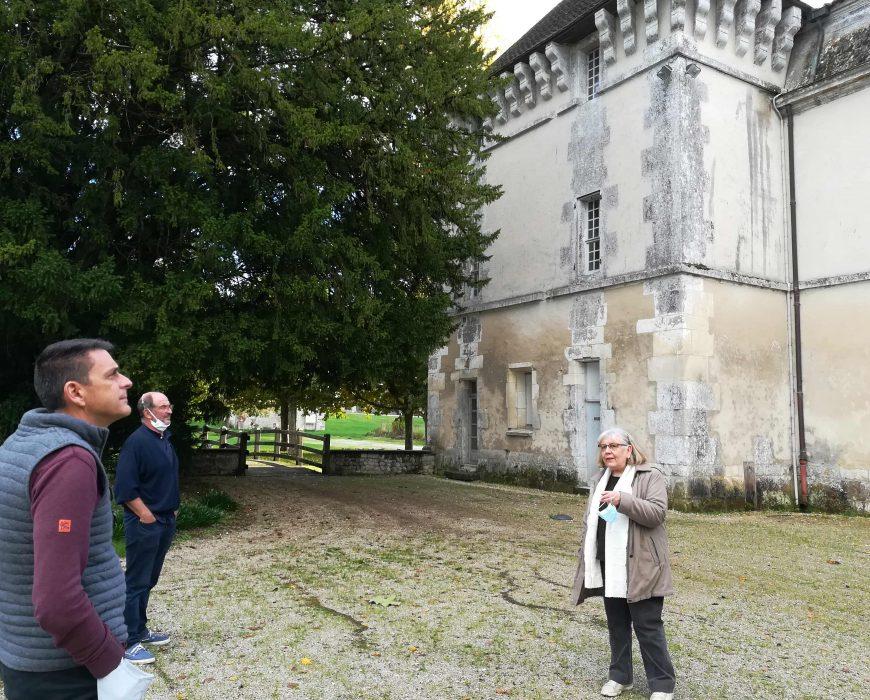 Le château de Lignières-Sonneville (mairie)